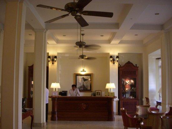 Settha Palace Hotel: ロビー01