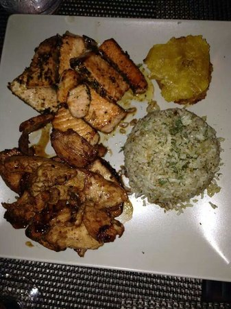 Hopi Bon Grill : Chicken and Salmon