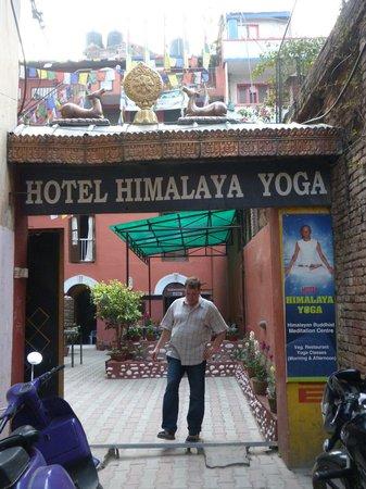 Hotel Himalaya Yoga: Hotel Exterior