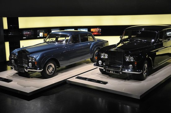 BMW-Museum: Some high end old Rolls Royce cars