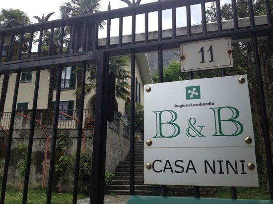 Casa Nini B&B: Main entrance