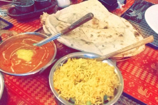 Omar's Tandoori cafe : Butter chicken