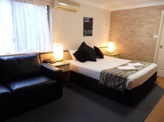 Park Beach Resort Motel: Bedroom