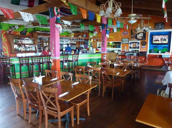 Mariachi's Authentic Mexican Restaurant: Indoor Dining Area