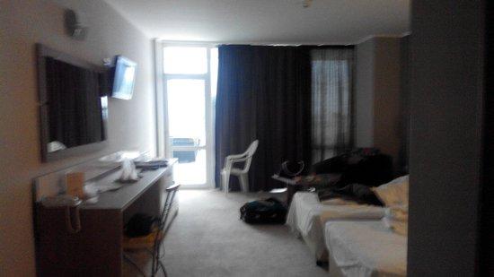 LTI Neptun Beach Hotel: Наш номер,де люкс,4й этаж,тересса,просторно