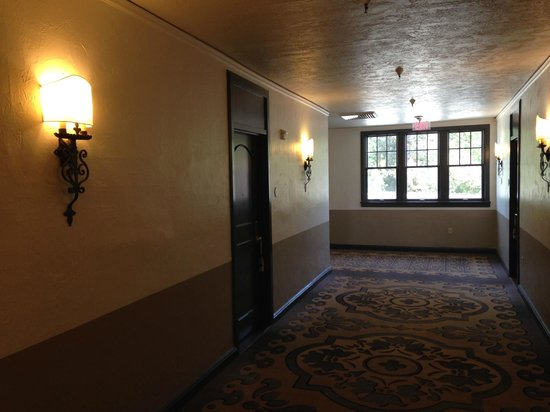 Fairmont Sonoma Mission Inn & Spa : hallway