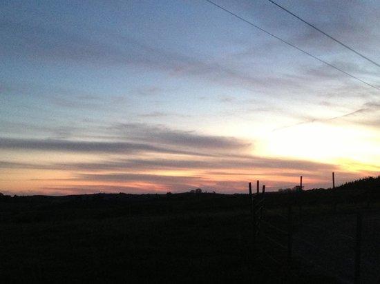 Byron Bay Farmstay: Sunset