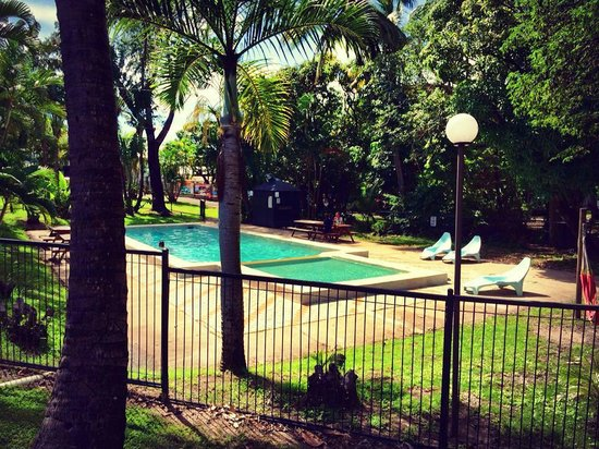 Base Airlie Beach Resort: the relaxed pool area