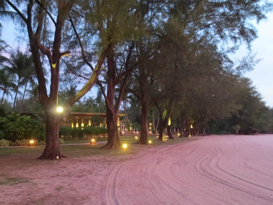Tanjung Rhu Resort: Evening