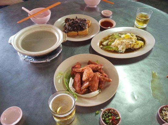 Song River: Dishes by day operator