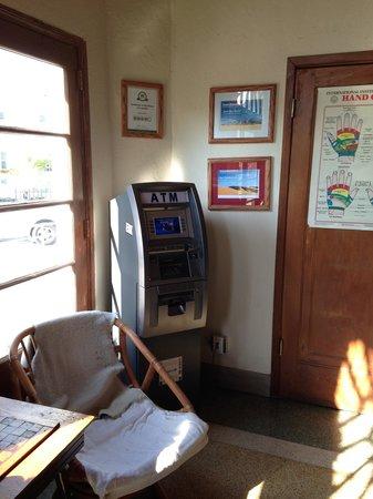Freehand Miami: Máquina ATM na recepção do hostel