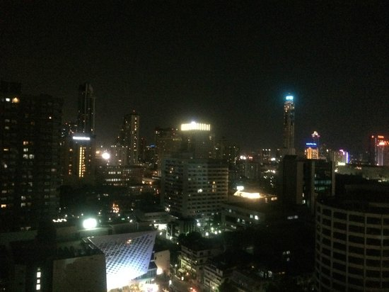 Ibis Bangkok Siam : 部屋からの夜景