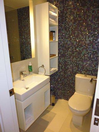 OZO Wesley Hong Kong : salle de bain