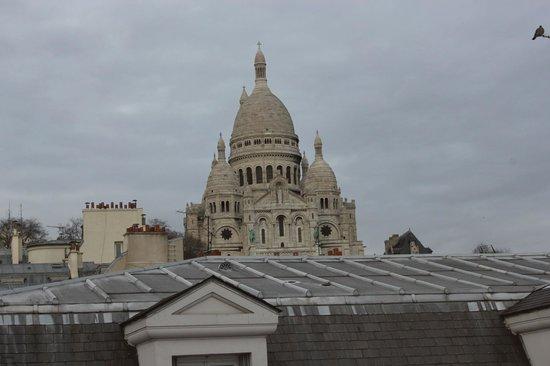 Adagio Paris Montmartre: View from the kitchen window