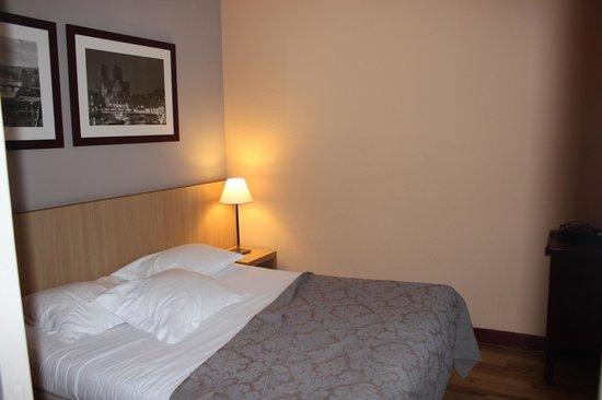 Adagio Paris Montmartre: Bedroom