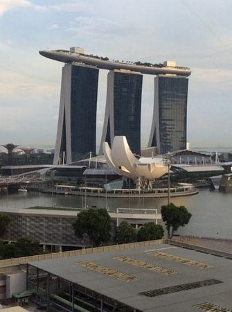 Marina Mandarin Singapore : view from room on the 13th floor