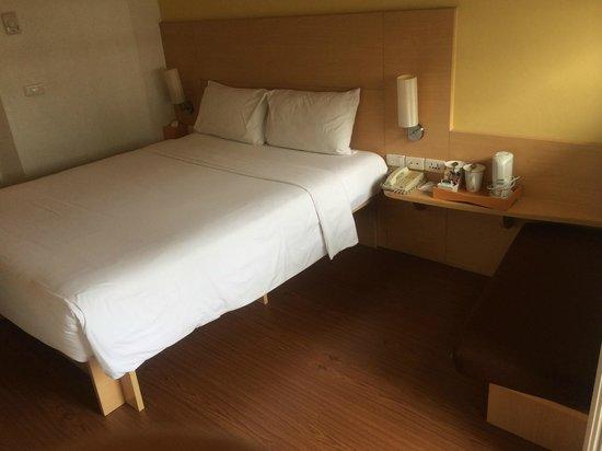 Ibis Pattaya: ベッドはそれなりの大きさ