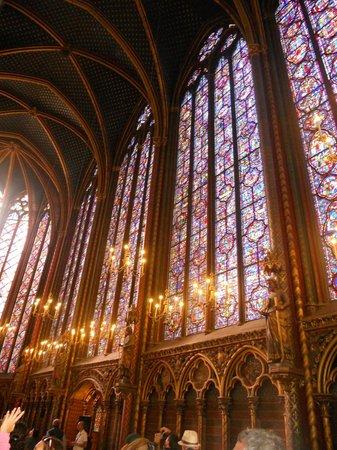 Sainte-Chapelle : un esplosione di colori