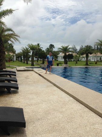 Mango Beach Resort : The pool