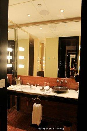 Mandarin Oriental, Guangzhou: Bathroom