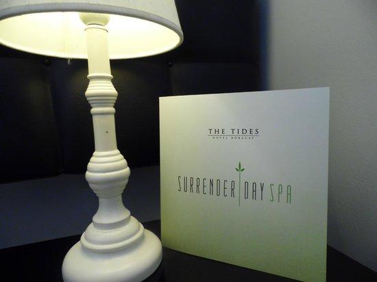 The Tides Boracay: lamp
