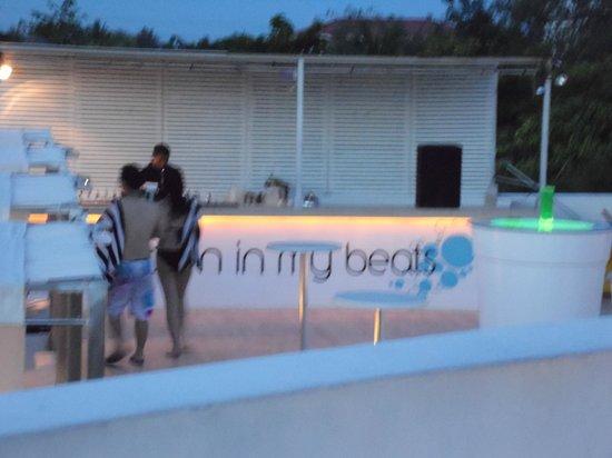 The Tides Boracay: bar