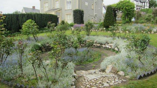 Bryn Guest House: Giardino