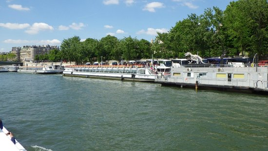 Bateaux Mouches: One of the boats for the tour.