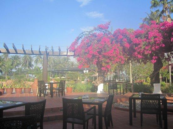 Meritus Pelangi Beach Resort & Spa, Langkawi: Breakfast area