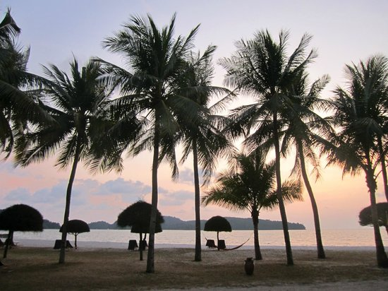 Meritus Pelangi Beach Resort & Spa, Langkawi: View from beachfront room