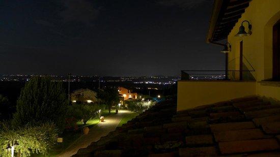 Borgobrufa SPA Resort : notturno al balcone