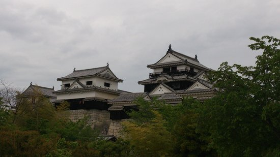 Matsuyama Castle: 連立天守