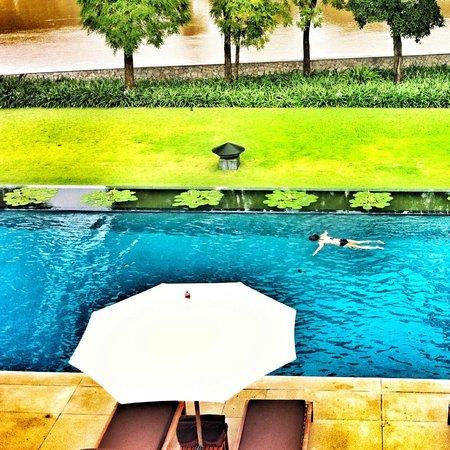 Anantara Chiang Mai Resort: Relaxing at the pool