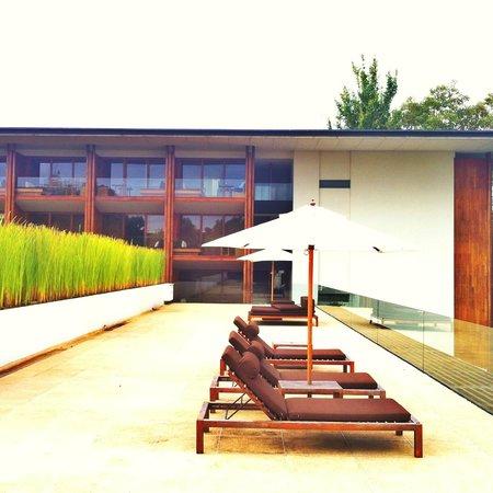 Anantara Chiang Mai Resort: It's time to sun bathing