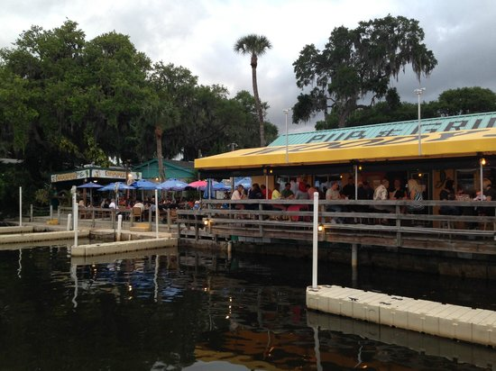 Sleep Inn & Suites Riverfront - Ellenton: Woody's Pub is a short, one block walk from the hotel.