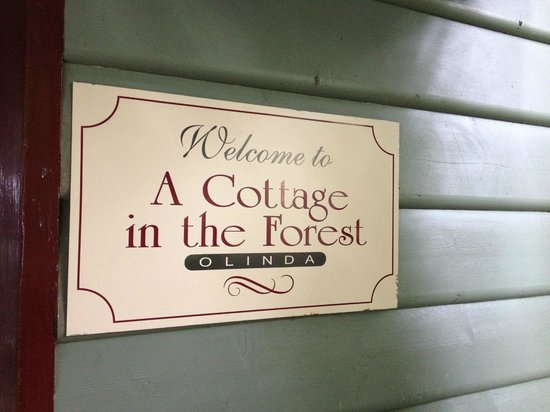 Valley Ranges Getaways : A Cottage in the Forest