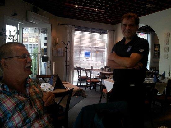 zorba: Hyggelige Dimitrios fra Kreta slår av en prat med oss