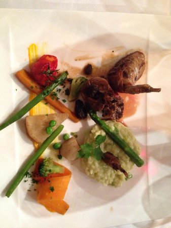 Restaurant Le Tertre: Main - ножка голубя ( пежо - по франц)