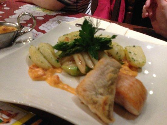 Dorint Hotel Dresden: zweierlei Fisch