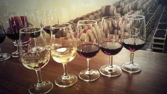 Asara Wine Estate & Hotel: Wine tasting at Asara