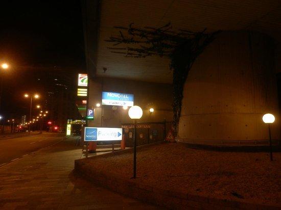 Novotel Genova City : In front of the hotel