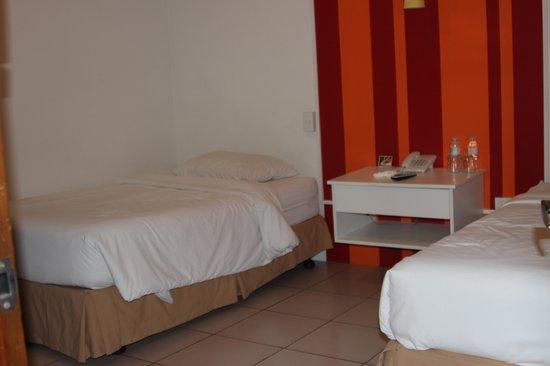 Escario Central Hotel: bed room