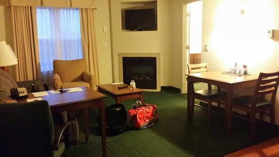 Residence Inn Salisbury: Living