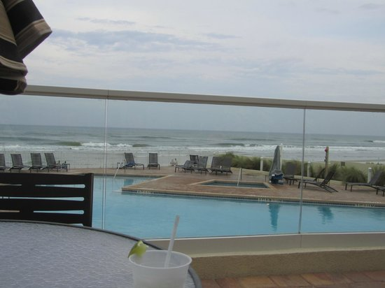 Hyatt Place Daytona Beach - Oceanfront: piscina