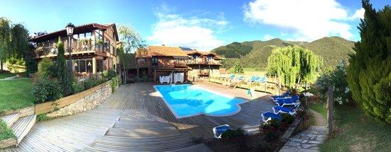Apartamentos Alquitara : Panoramica zona piscina