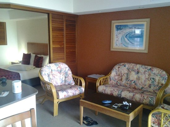 Ramada Golden Beach Resort: Lounge room