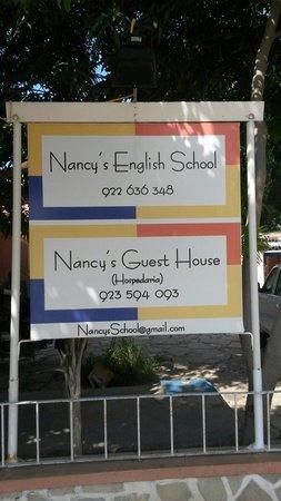 Nancy G's Guest House : Porta