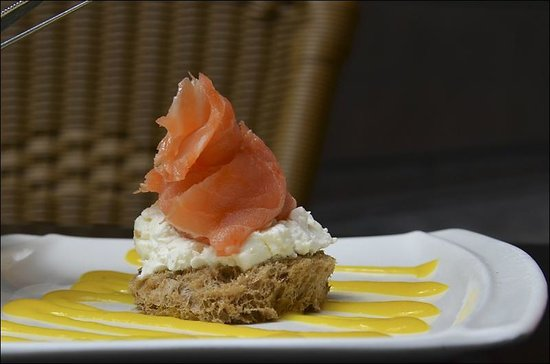 Bar Europa: Тапа с лососем