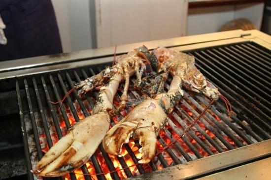 Restaurant La Table de Jeanne : homard grillé au feu de bois