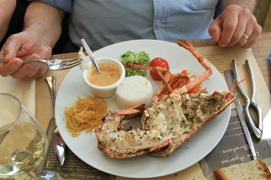 Restaurant La Table de Jeanne : Présentation homard grillé.